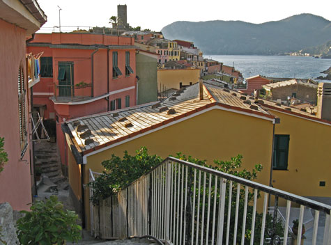 Maps of Vernazza Italy